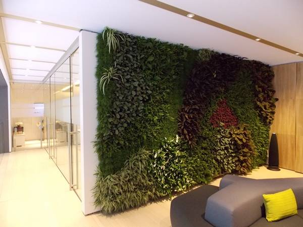 Land Rover – Geneva motor show - Interior Living Walls