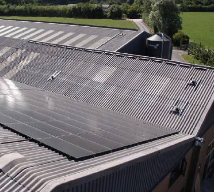 Holt Farm: Safe Work Access to a New Roof