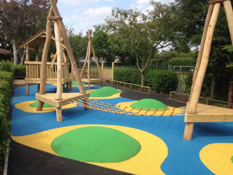 PlayBound permeable rubber crumb resin bound EPDM wetpour surfacing
