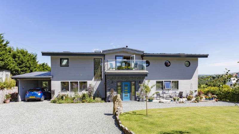 BBA certified Cedral Click helps create a stunning coastal property