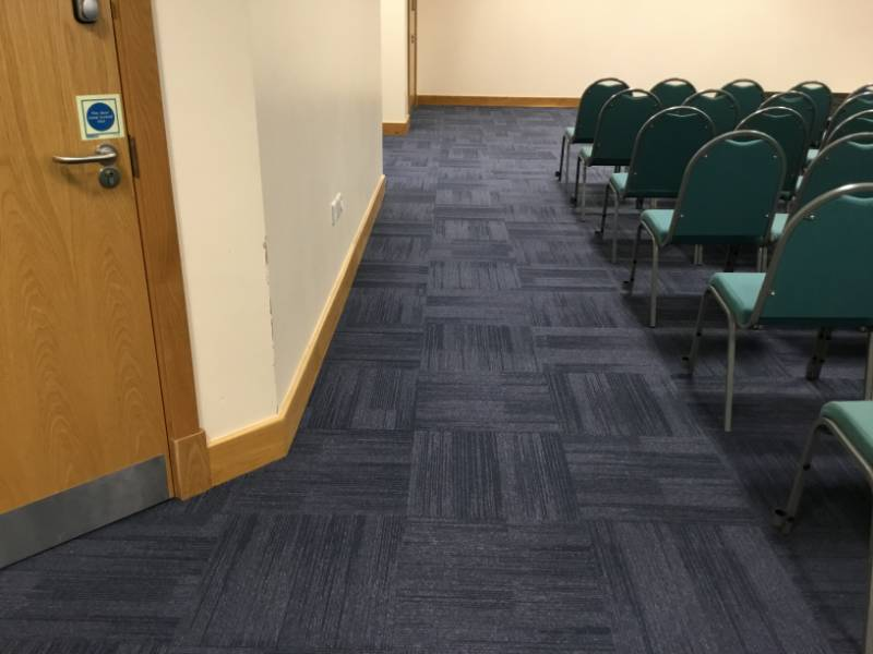 KINGSGATE OFFICES - Signal Solution Dyed Carpet Tiles