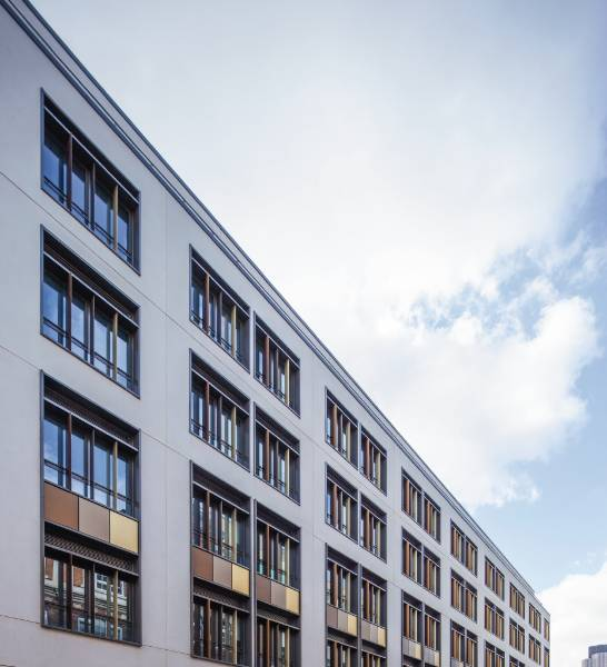 RENSON louvre panels for optimal indoor air quality and thermal resistance