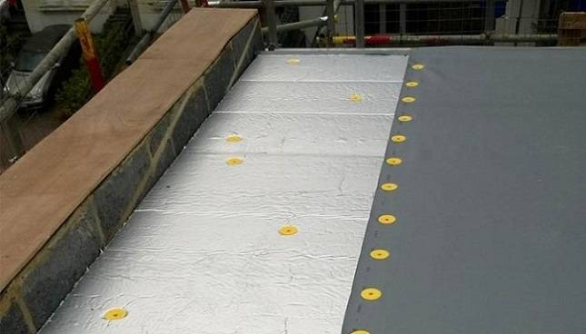 ALKORPLAN F Mechanically Fixed System with Mineral Wool Insulation