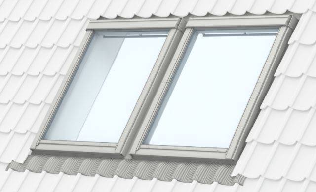 GGU manually operated, white polyurethane, centre-pivot roof window, combination installation