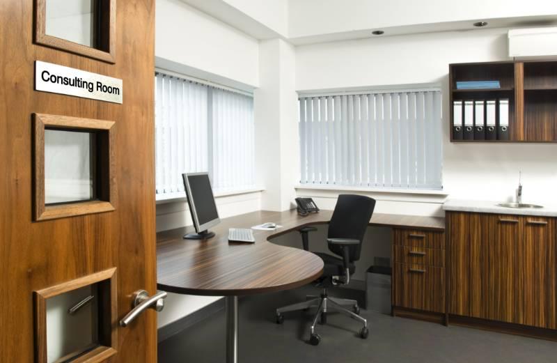Hygenius®  Modular Shaped Desk