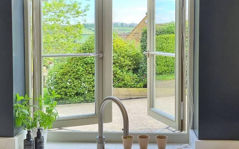 BLU™ - REG020 Regent Window Espagnolette Handle