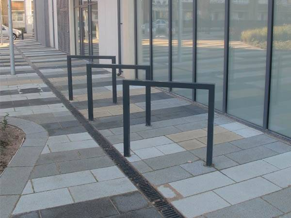 Thetford Carbon Steel Cycle Stand