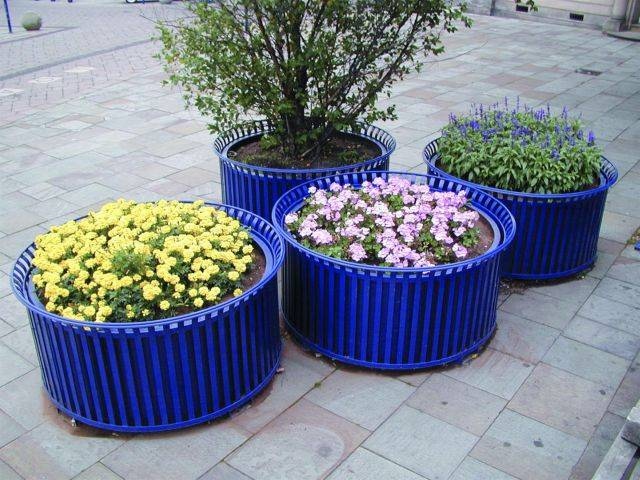 Ollerton Festival Circular Rolled Top Planter