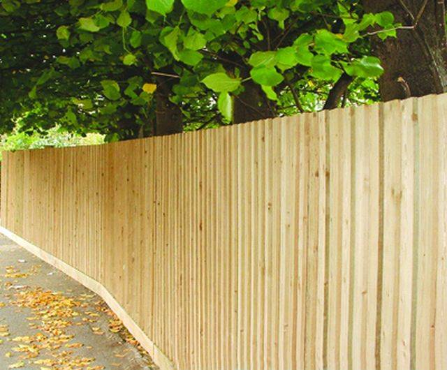 Traditional Featherboard Fencing