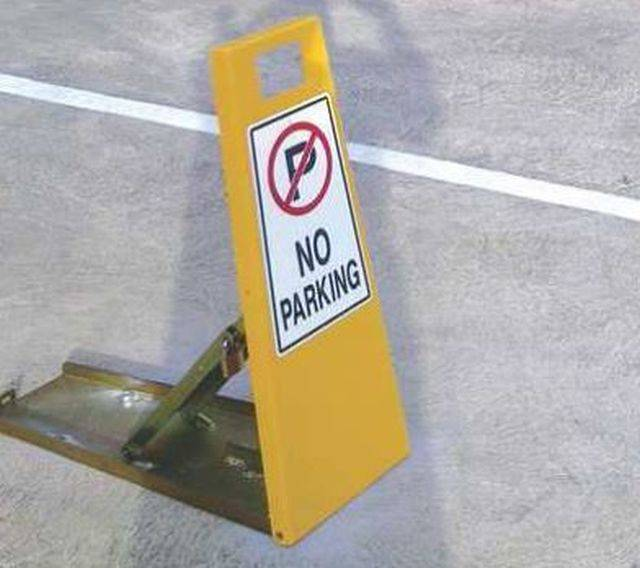 Lockable and Collapsible Steel Parking Bollards/Barrier