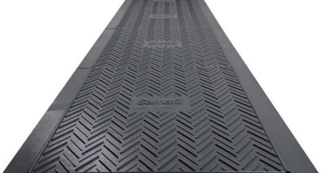 Sarnafil 'T' Walkway Tile