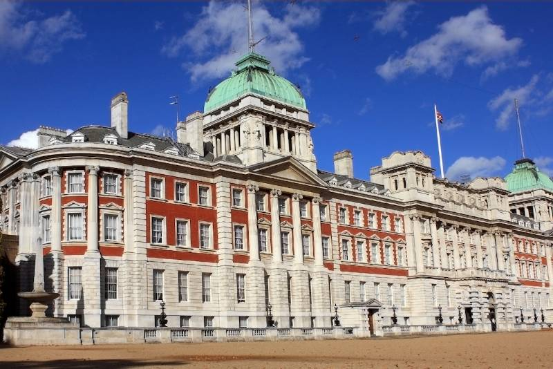 DULUX TRADE PRODUCTS TRANSFORM CHURCHILL'S  OFFICES INTO FLAGSHIP GOVERNMENT DEPARTMENT