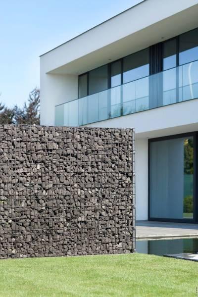 Zenturo Gabion Wall Baseplated- Metal mesh fence panel