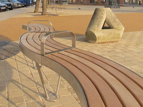 Bespoke serpentine benches for The Hotwalls Studios