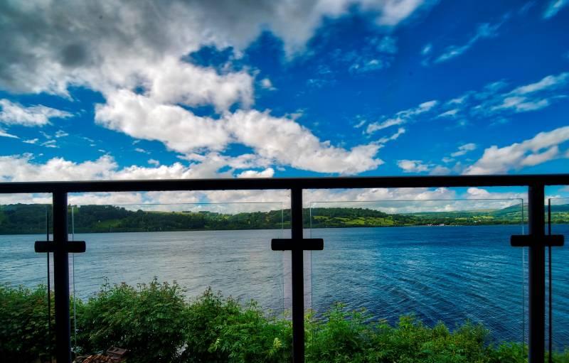 Balustrade has enduring appeal at lakeside retreat
