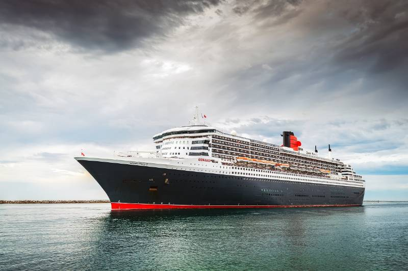 >B< Press makes short work of installations on the iconic RMS Queen Mary II