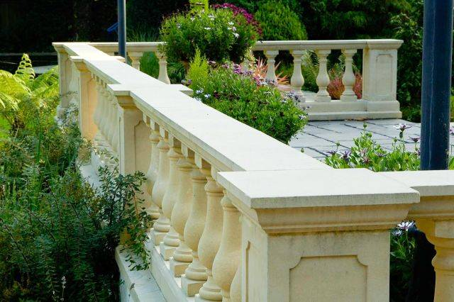 Central Run-In Balustrade