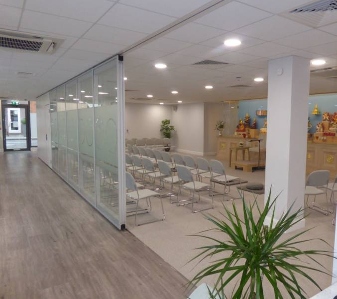 MEDITATORS ENJOY PEACEFUL PRIVACY THANKS TO DORMA PARTITION