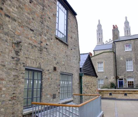 In parts dating back over 400 years, Market Hostel is sensitively restored with 21st century steel windows