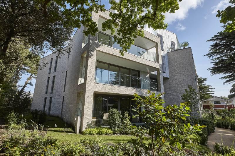 Contemporary retirement living enhanced with Vandersanden brick slips