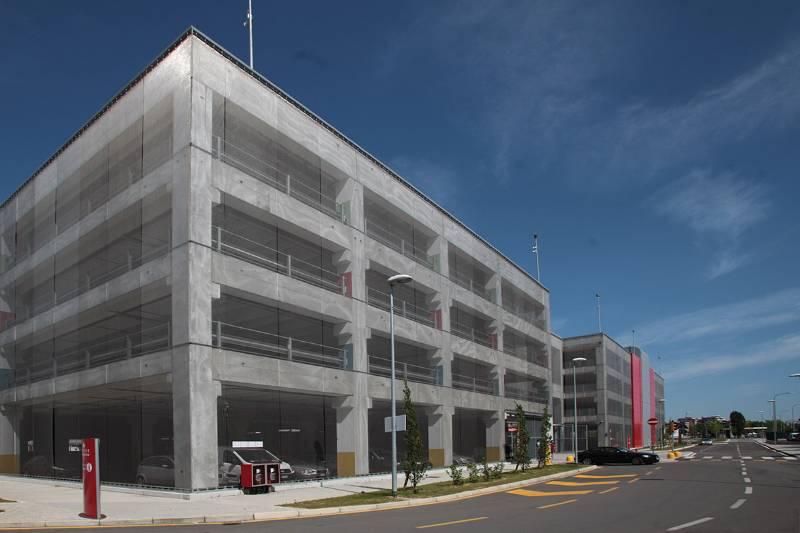 Architectural Wire Mesh Facade at Car Park Exhibition Centre Bologna