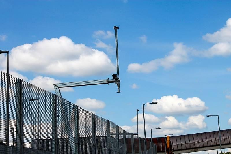 COMMONWEALTH GAMES – INNOVATIVE 7 SHAPED CCTV COLUMN