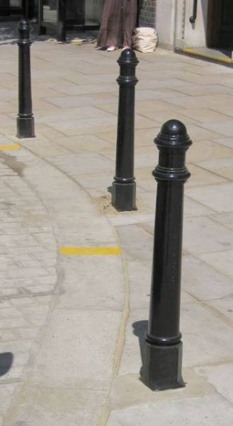 Hammersmith Aluminium Removable Bollard