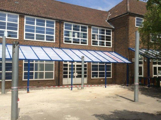 Twinfix Mono Pitch Canopy Glazed With Makrolon 16 mm Multi-link Non-Fragile (ACR(M)001:2014, Class B)