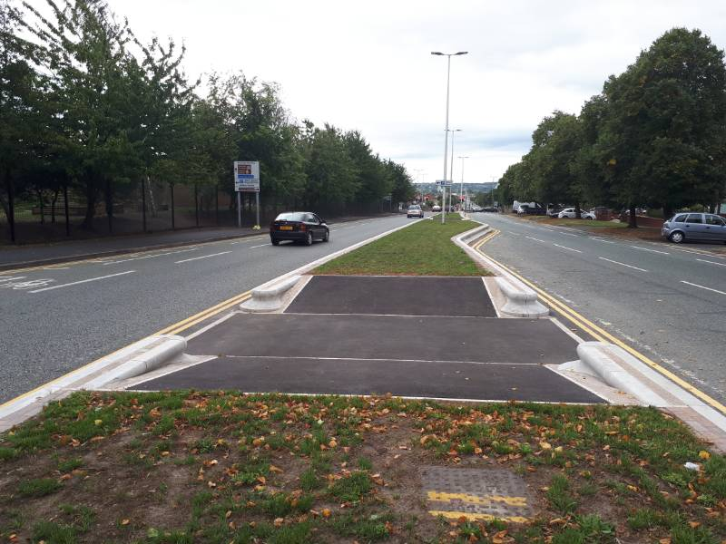 Trief Containment Kerbs provide the solution for the renovation of the central reservation on a major duel carriageway in Cheshire.