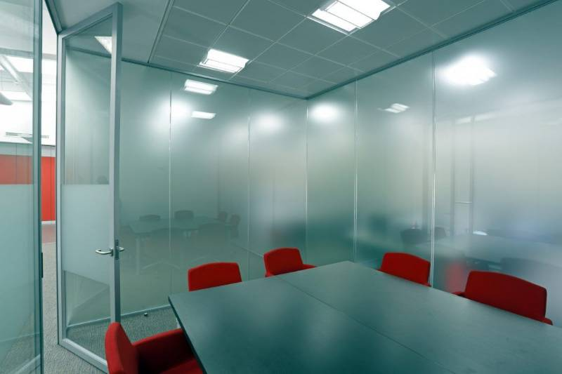 p54 Single-offset Glazed Panel Partition System