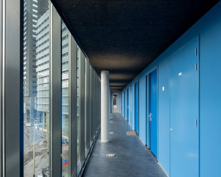 Acoustic Insulation for Entrances and Corridors