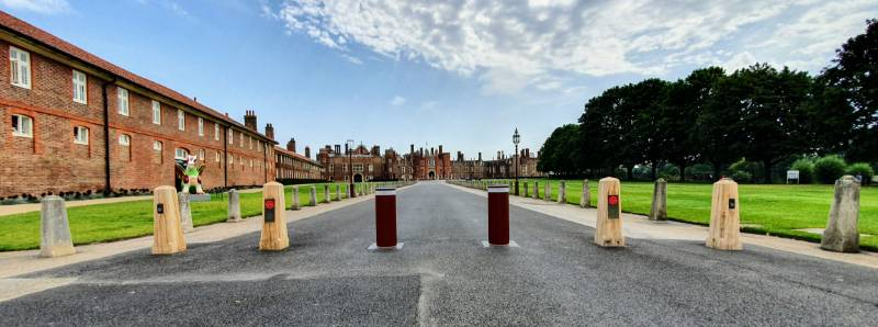 Automatic Bollard System - Hampton Court Palace
