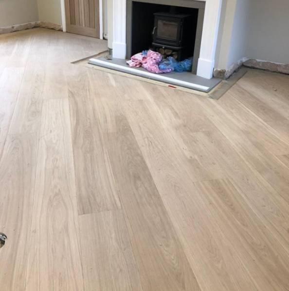 Oak Engineered Wood Flooring, UV Oiled, White, Select Grade