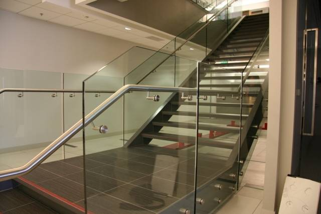 Optik Boss™ Stainless Steel and Glass Railing System