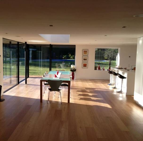 Oak Engineered Wood Flooring, Smooth Lacquered