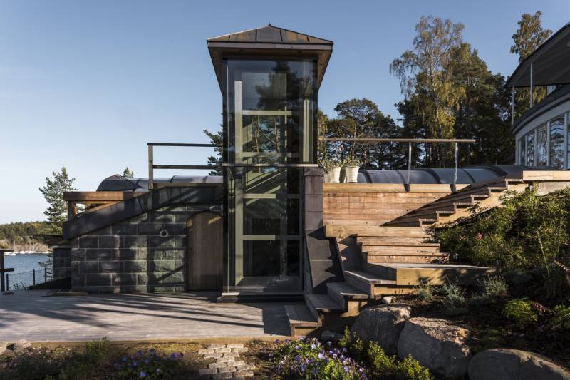Outdoor A5000 Home Platform Lift to Access Pool Deck