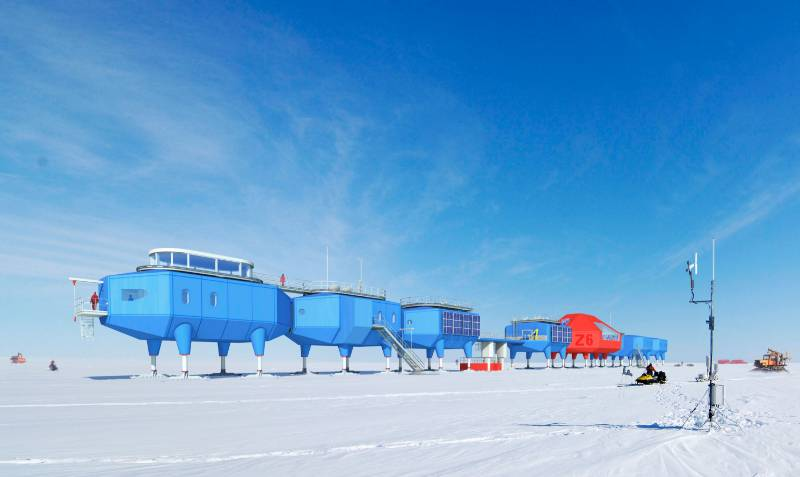 Antarctica access hatches