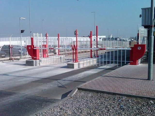 Electro - hydraulic operated heavy duty barriers (B411, B412, B420)