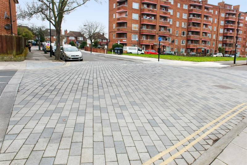 Tobermore introduced Southwark with a solution – the City Pave VS5 block paving system