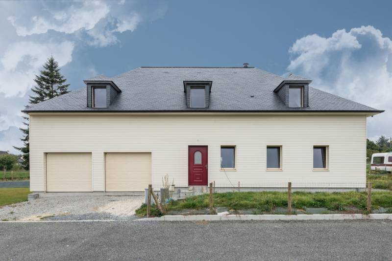 THERMOSLATE covers nearly 55% of the energy required to heat this house