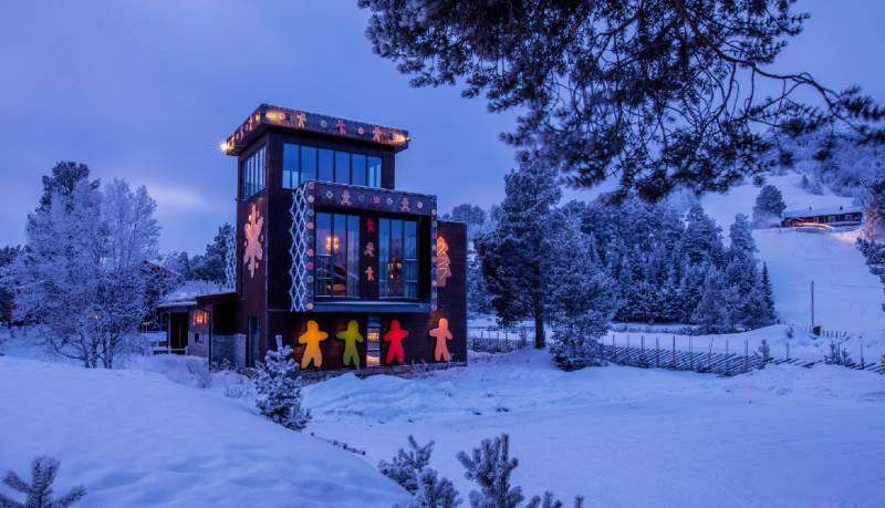 MTX MDF panels decorate exterior of Gingerbread House