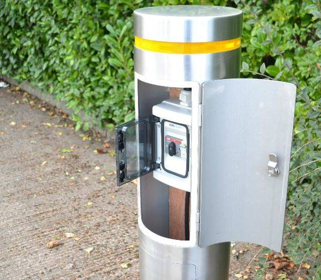 Power Outlet Bollard