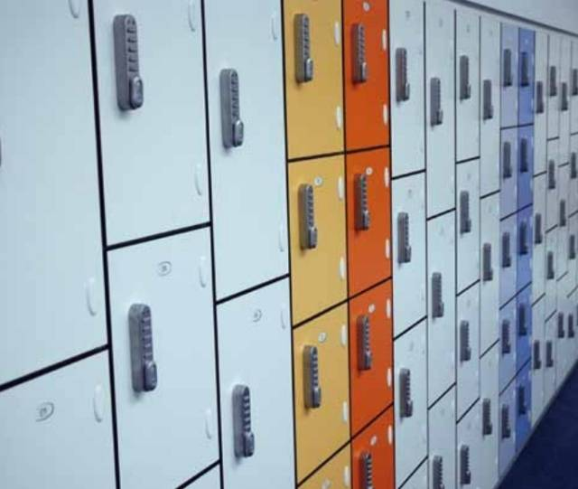 03 - H/D Laminate Lockers - Wet Use