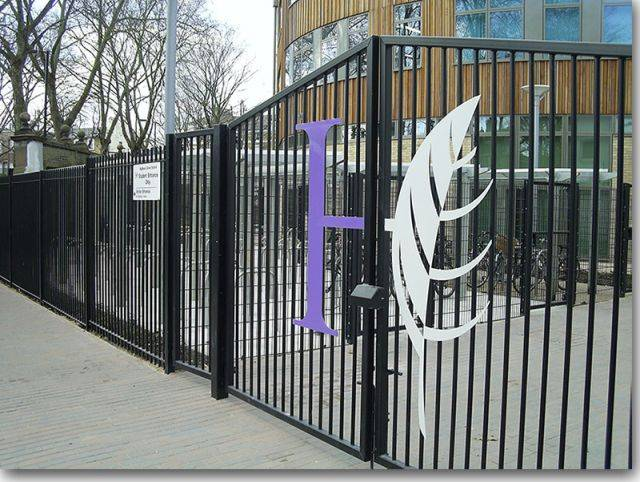 Pro-glide Series 5 Tracked Balustrade Gate