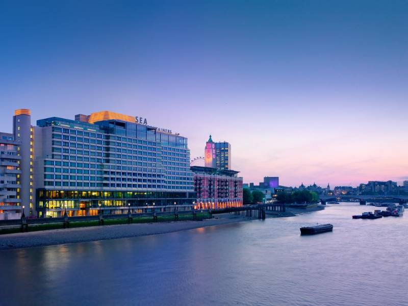 Iconic Thames landmark complemented by slick Schlüter style