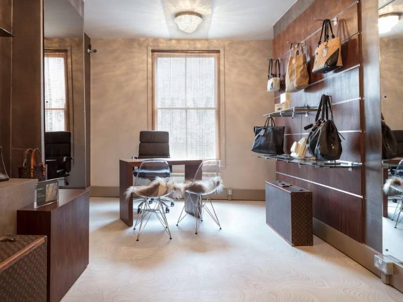 Expona flooring is fashion forward at Handbag Clinic