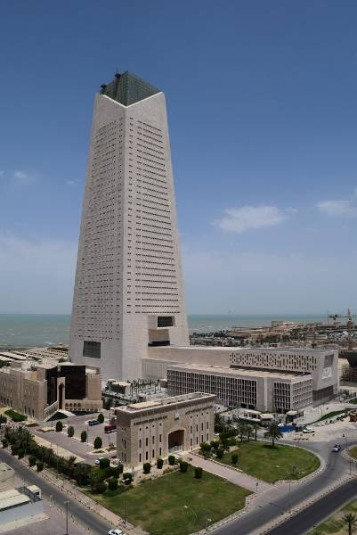 Central Bank of Kuwait HQ - Advanced Delmatic lighting control system with innovative balanced lighting