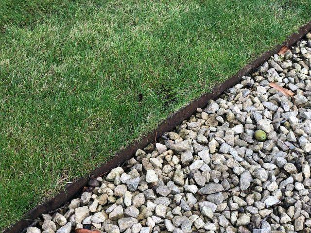 Traditional Legacy Lawn Edging
