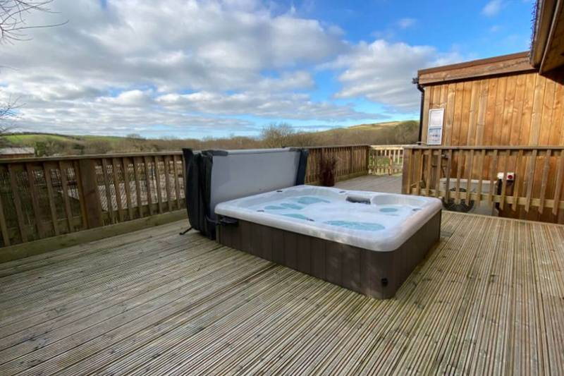 Non-Slip Decking | Meadowside Eco Lodges
