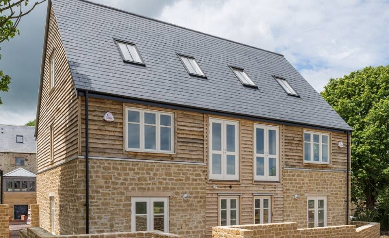 Quality and durability put Cupa Pizarras slate on Crewkerne development